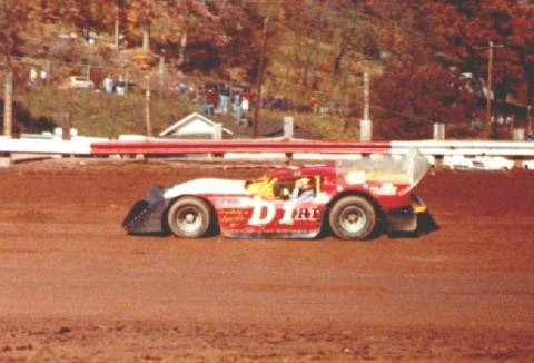 Dirt racing 101 for the fans by the fans for Smith motor company wv